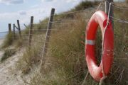 Sce3023-red-light-life-preserver.jpg